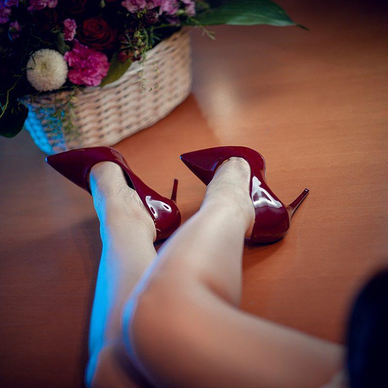 picioare-frumoase-pantofi-cu-toc